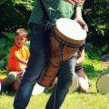 Bubnování v komunitním vinořském centru Vincent
